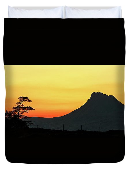 Duvet Cover featuring the photograph Stac Polly Sunset by Grant Glendinning
