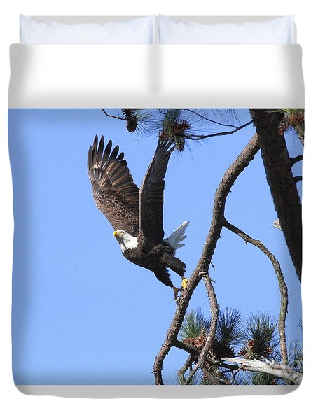 Duvet Cover featuring the photograph Standing Eagle by Geraldine DeBoer