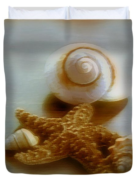 Star And Shells Duvet Cover by Linda Sannuti