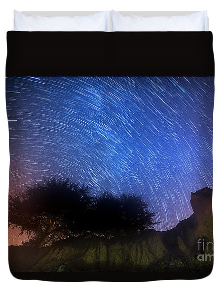 Star Trails Above Shell Beach Duvet Cover