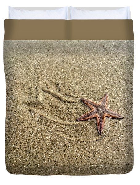 Starfish On The Beach Duvet Cover
