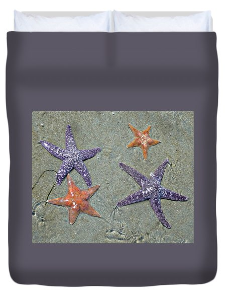 Duvet Cover featuring the photograph Starfish Party by 'REA' Gallery