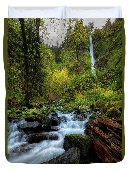 Duvet Cover featuring the photograph Starvation Creek And Falls by Ryan Manuel