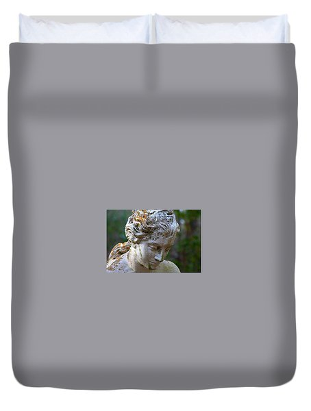 Statue At Magnolia Gardens Duvet Cover
