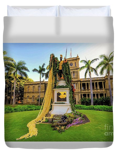 Duvet Cover featuring the photograph Statue Of, King Kamehameha The Great by D Davila