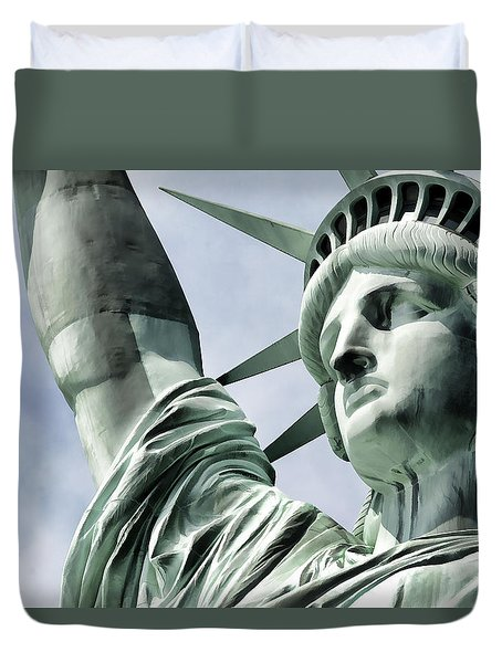 Statue Of Liberty 2 Duvet Cover by Lanjee Chee