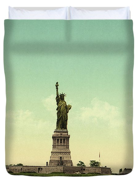 Statue Of Liberty, New York Harbor Duvet Cover