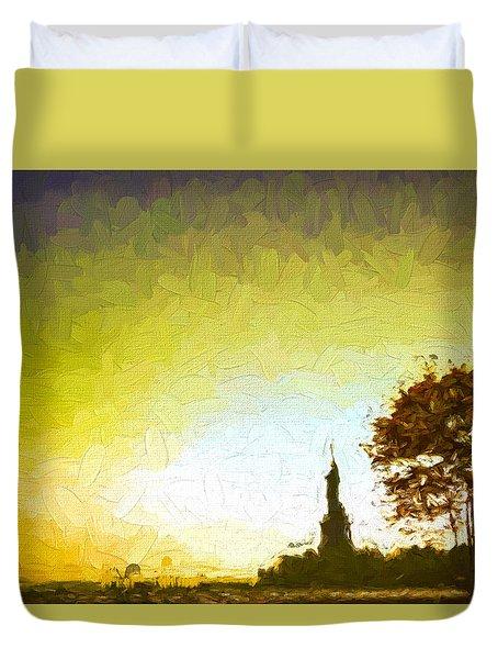 Statue Of Liberty - Nyc Duvet Cover by Matthew Ashton