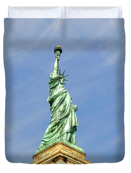 Statue Of Liberty Duvet Cover by Randy Aveille