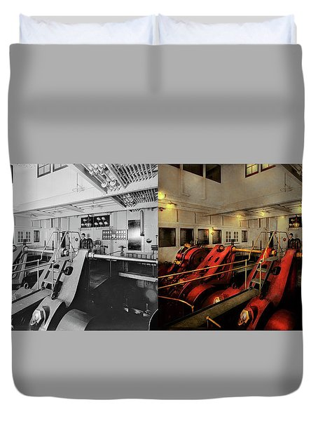 Duvet Cover featuring the photograph Steampunk - Man The Controls 1908 - Side By Side by Mike Savad