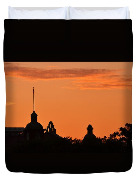 Stockyard Sunset Duvet Cover by Ricardo J Ruiz de Porras