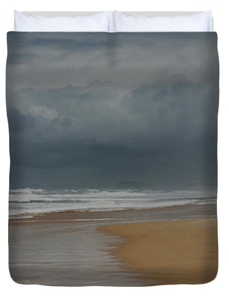 Storm Brewing On The Gold Coast Duvet Cover