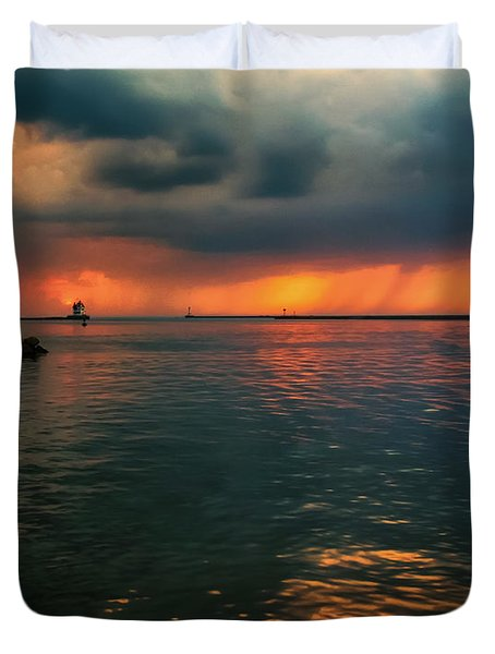 Storm In Lorain Ohio At The Lighthouse Duvet Cover
