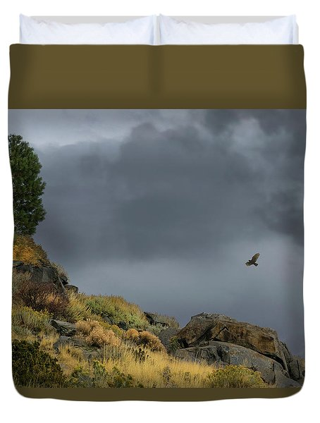 Duvet Cover featuring the photograph Stormy Flight by Frank Wilson