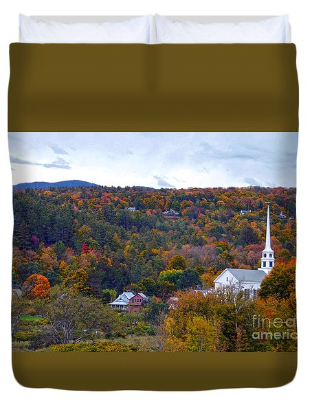 Stowe Vermont In Autumn Duvet Cover by Catherine Sherman