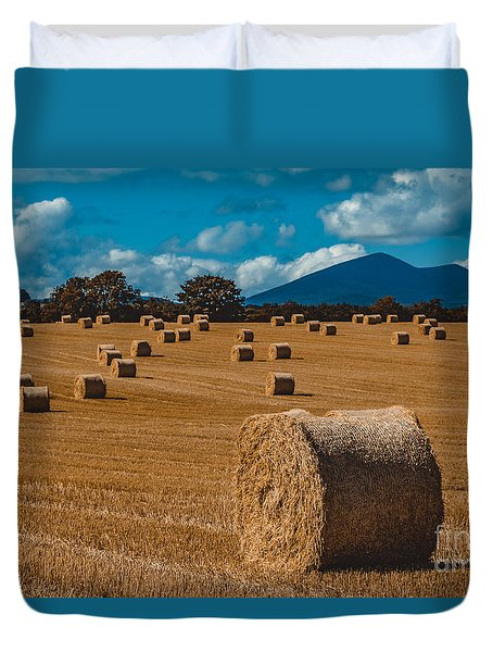 Straw Bale In A Field Duvet Cover