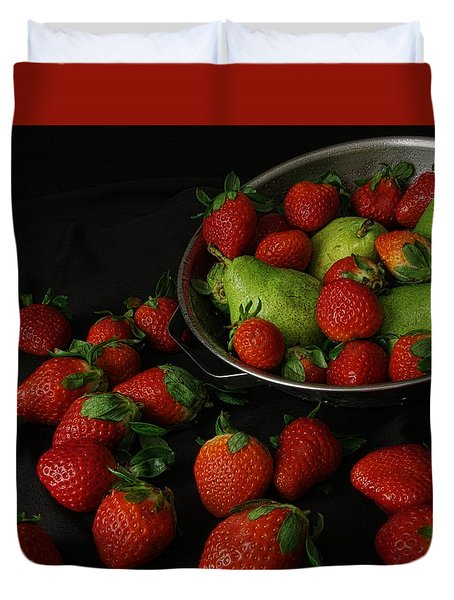 Duvet Cover featuring the photograph Strawberries And Pears by Richard Rizzo