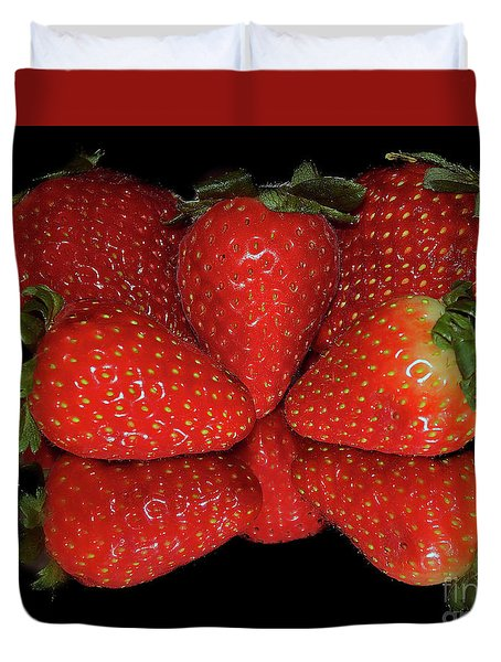 Duvet Cover featuring the photograph Strawberry by Elvira Ladocki