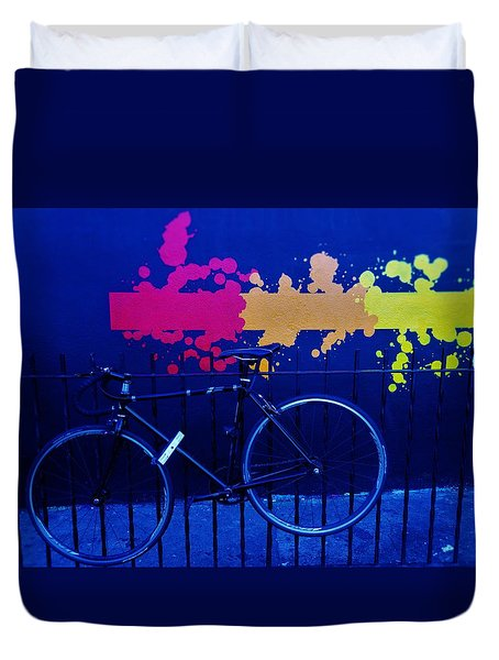 Street Art Bike In New York Duvet Cover