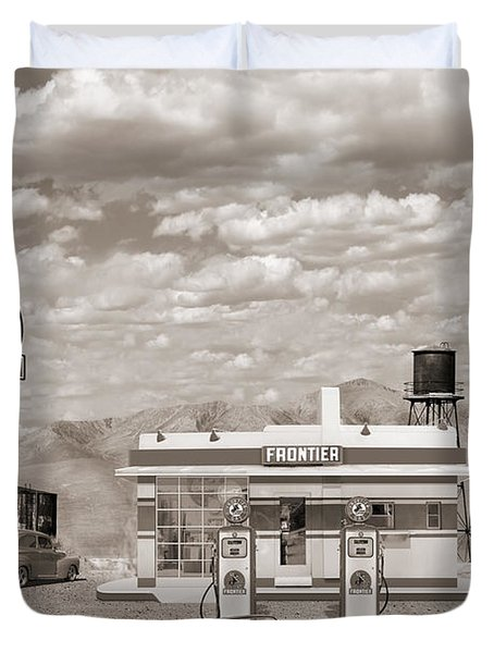 Street Rod At Frontier Station Sepia Duvet Cover