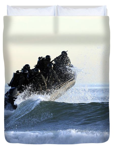 Students In Navy Seals Qualification Duvet Cover by Stocktrek Images