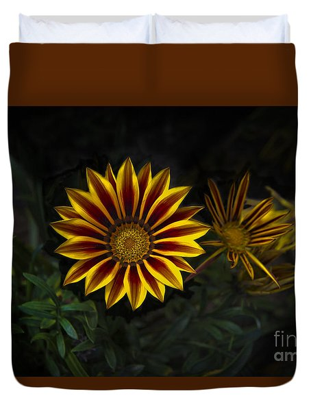 Stunning Flowers Abound Here Duvet Cover