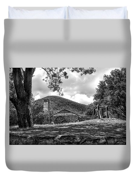 Sugar Plantation Ruins Bw Duvet Cover