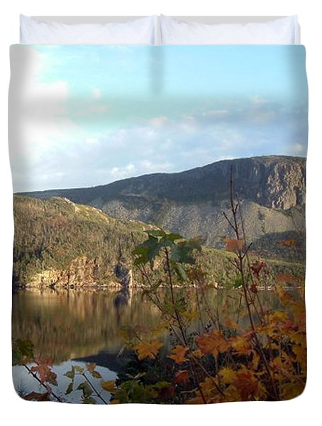 Sugarloaf Hill In Autumn Duvet Cover by Barbara Griffin