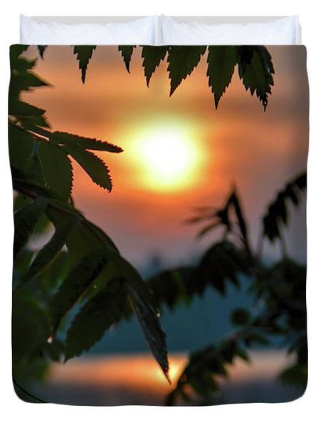 Duvet Cover featuring the photograph Sumac Sunrise At The Lake by Henry Kowalski