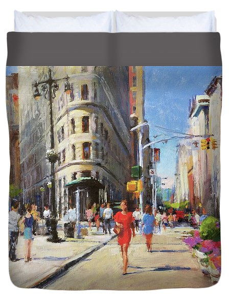 Summer Morning At Flatiron Plaza Duvet Cover