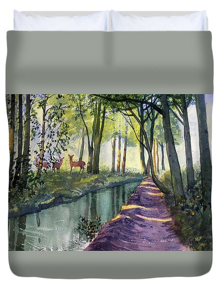 Summer Shade In Lowthorpe Wood Duvet Cover
