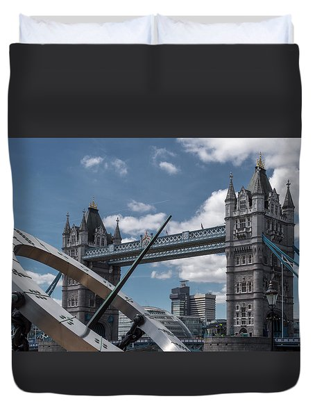Sun Clock With Tower Bridge Duvet Cover