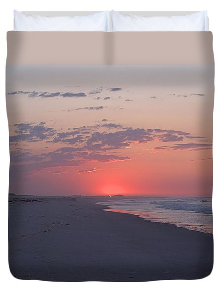 Duvet Cover featuring the photograph Sun Pop by  Newwwman
