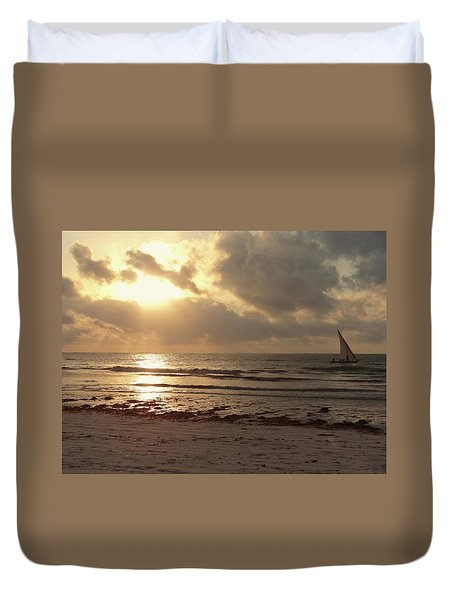 Sun Rays On The Water With Wooden Dhow Duvet Cover