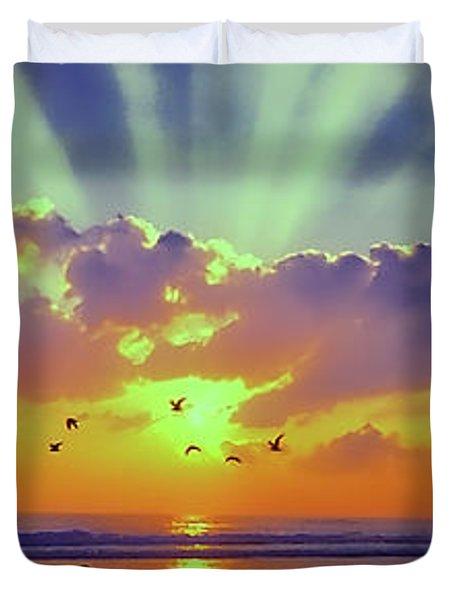 Sun Rise East Coast Fl Daytona Beach With Birds Duvet Cover