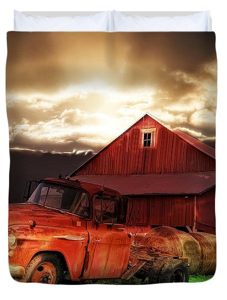 Sunburst At The Farm Duvet Cover by Bill Cannon
