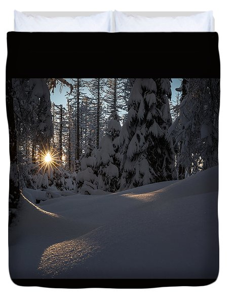 Sunburst In Winter Fairytale Forest Harz Duvet Cover