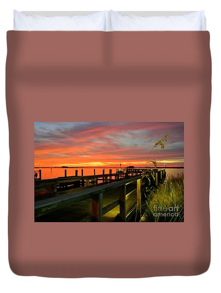 Duvet Cover featuring the photograph Sundown by Elfriede Fulda