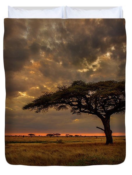 Sundown, Namiri Plains Duvet Cover