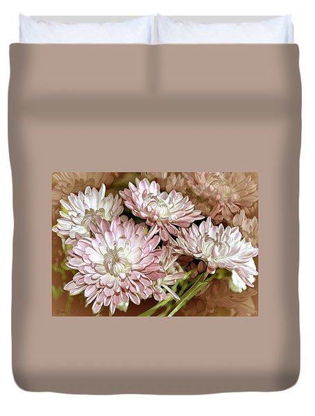 Duvet Cover featuring the photograph Sunny Dahlia by Bonnie Willis