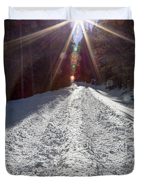 Sunrays And Snow Duvet Cover
