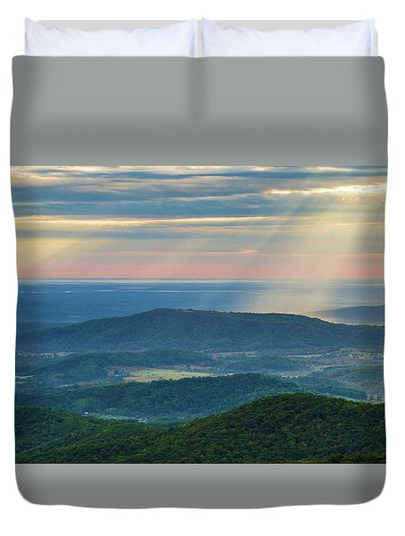 Duvet Cover featuring the photograph Sunrays Over The Blue Ridge Mountains by Lori Coleman