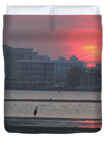 Sunrise And Skyline Duvet Cover