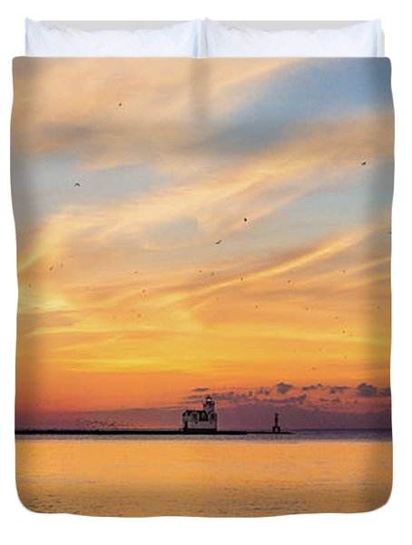 Duvet Cover featuring the photograph Sunrise And Splendor by Bill Pevlor