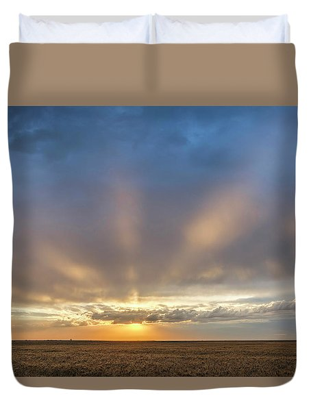 Duvet Cover featuring the photograph Sunrise And Wheat 03 by Rob Graham