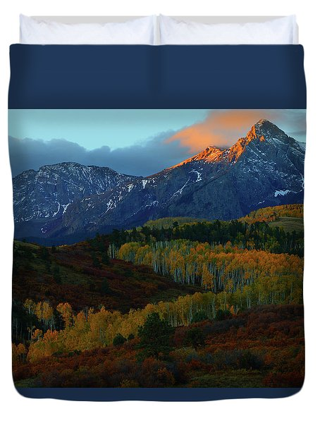 Sunrise At Dallas Divide During Autumn Duvet Cover by Jetson Nguyen