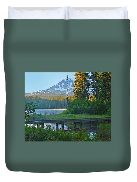 Duvet Cover featuring the photograph Sunrise At Takhlakh Lake Under Mt Adams by Jack Moskovita
