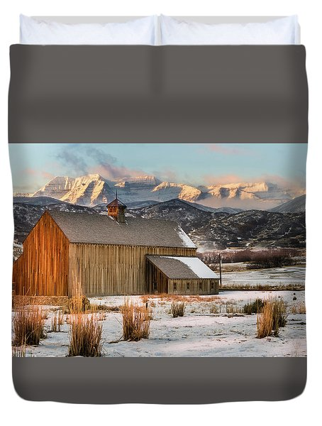 Sunrise At Tate Barn Duvet Cover