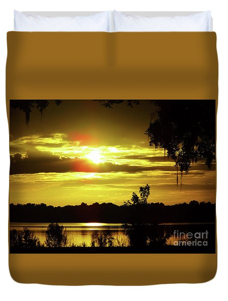 Sunrise At The Lake Duvet Cover by D Hackett