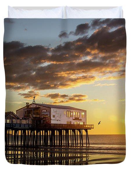 Sunrise At The Pier Duvet Cover